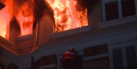 Quatre blessés, bilan d'un incendie dans un immeuble à Paris